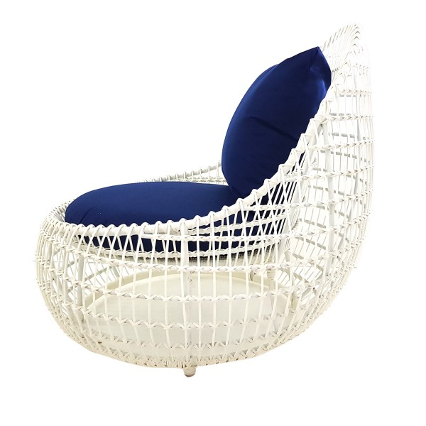 OUTDOOR SCULPTURAL LOUNGE CHAIR