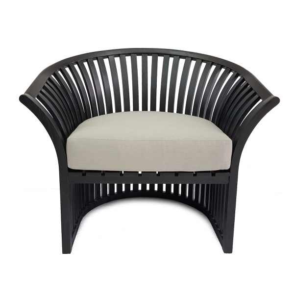 BLACK OUTDOOR LOUNGE CHAIR