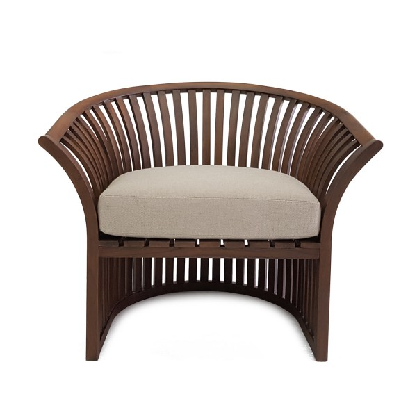 BROWN LOUNGE CHAIR AT TREATMENT