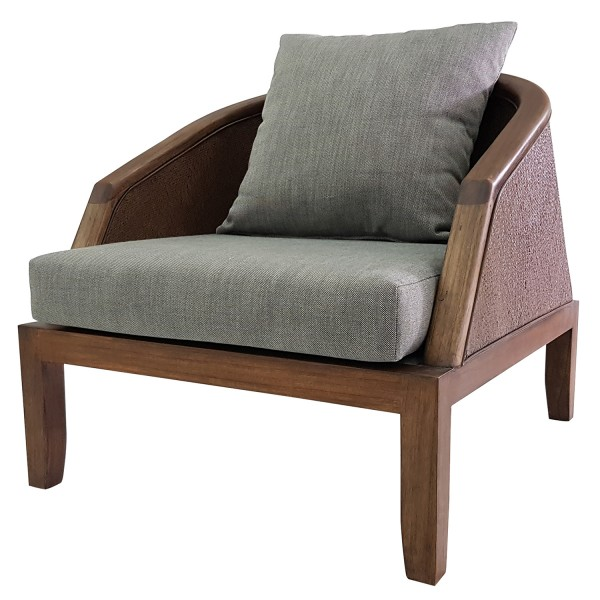 LOUNGE CHAIR AT FRONT SEATING GROUPS